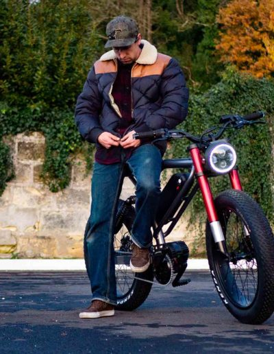 Le Cafe Racer fourche rouge