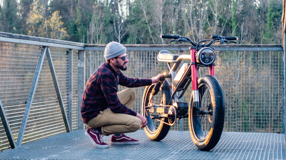 Le Cafe Racer as an E-bike