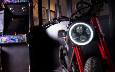Le Cafe Racer in a tattoo parlor